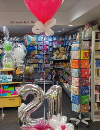 Folien-Zahlen auf Ballontorte mit Latexballon | 21,50€