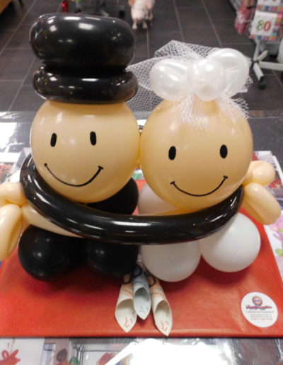"""Bubiköpfe"" Latexballonfigur auf Tablettverpackung | 25€"