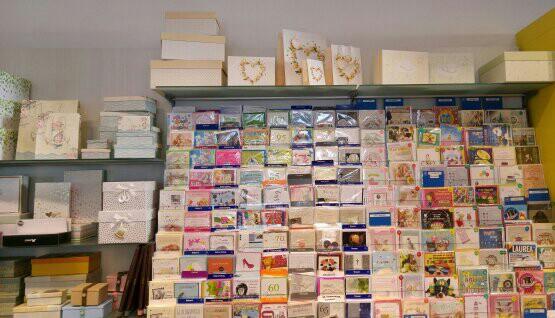 Einladungskarten, Geschenkkarten und andere Papierie