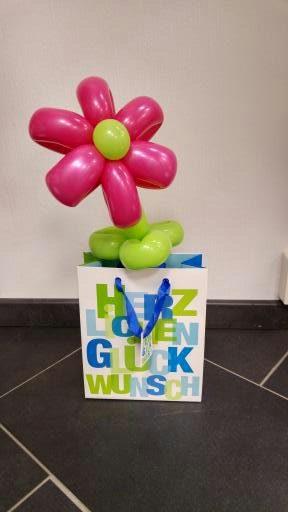 Tütchen mit der Blume, 2,95€ als Gewicht