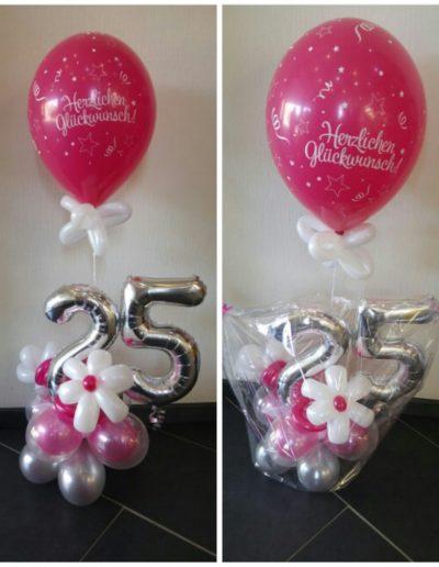 Blumengesteck 25€ plus Latexballon obendrauf 3,50€