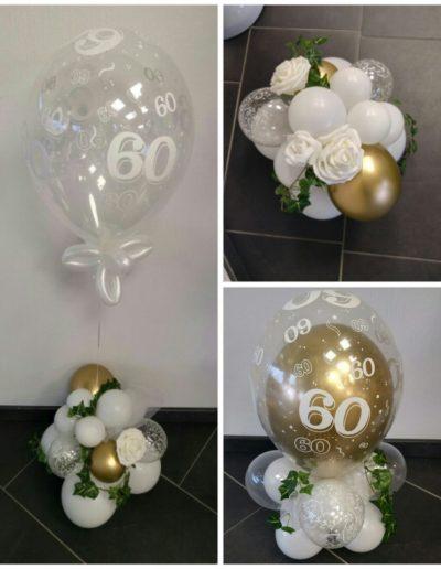 Raumdekoration und Geldgeschenke mit Ballons, hier 25€ plus Kunstblumen plus Latex.