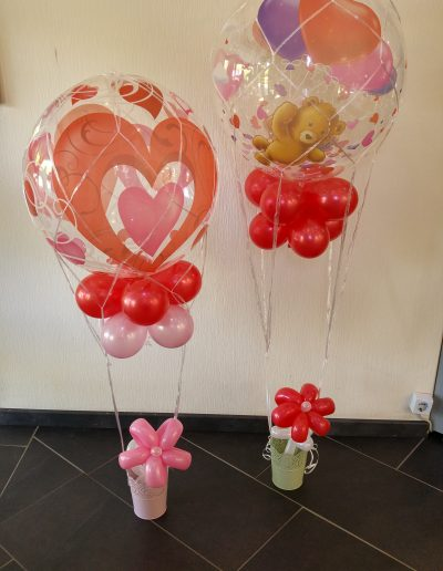 Ballons unter einem Netz, hier je 28€ gesamt
