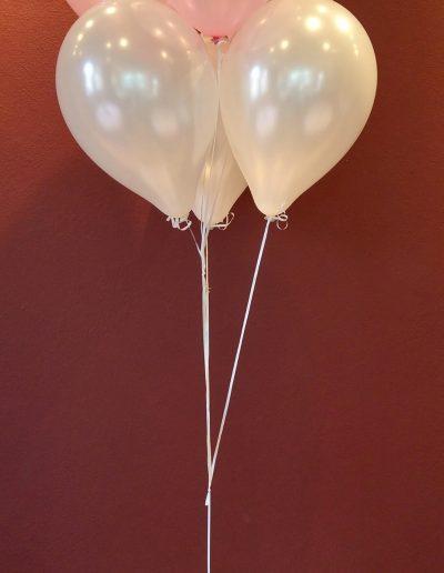 Raumdekoration mit Latexballons, hier 3€ pro Ballon